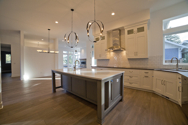 649_Lolo_NWXing_Kitchen_Modern_White_Cabinets_Island