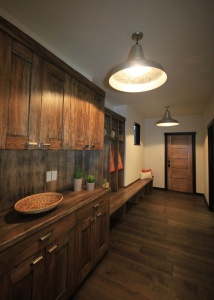 Reclaimed Wood Spaces And NW Craftsman Styling By GWC
